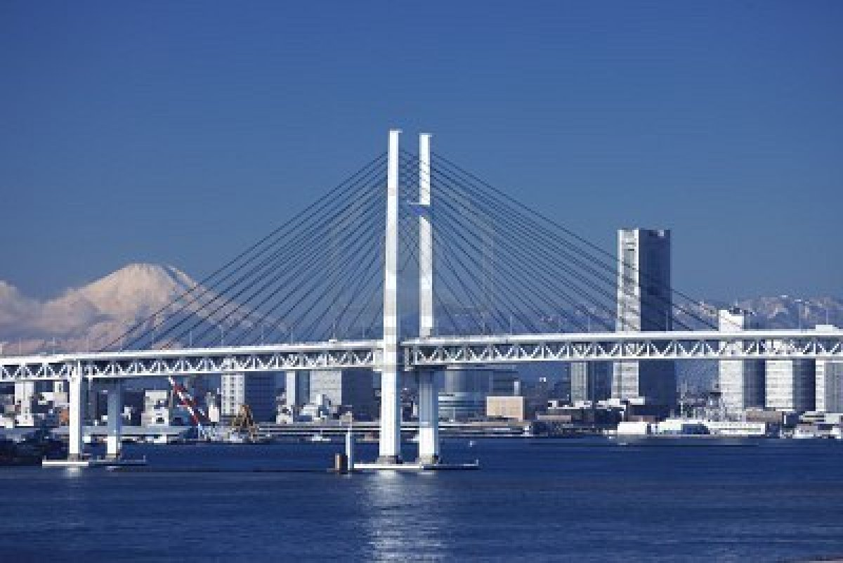 6469649-yokohama-bay-bridge-mt-fuji-and-a-building.jpg
